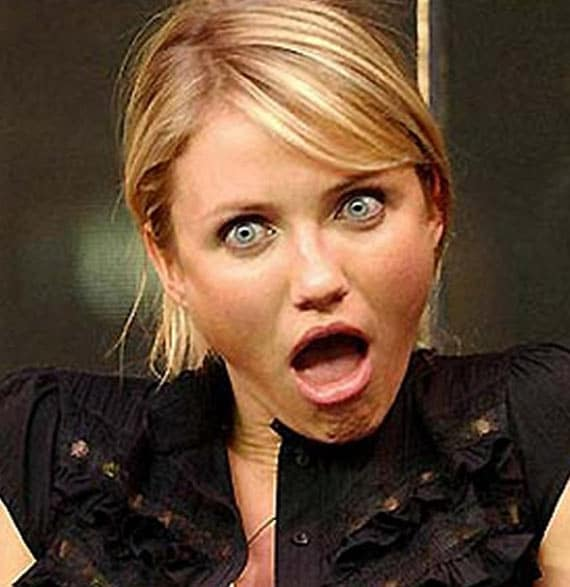 28 Pics of Awkward Celebrities Facial Expression Captured At Right Time -20