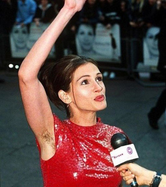 76 Pictures of Awkward Celebrity Moments Captured at Right Time -09