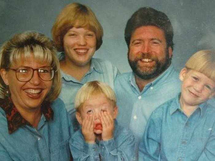 Awkward Family Photos Overloaded With Denim - 30 Pics -05