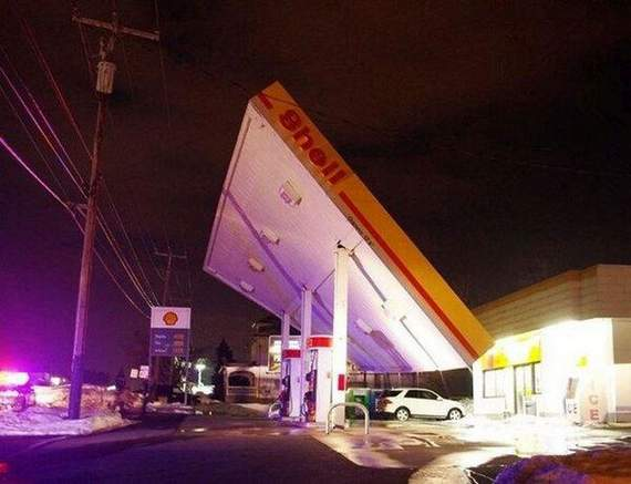 Meanwhile Funny Awkward Moments At Gas Station - 39 Photos -08