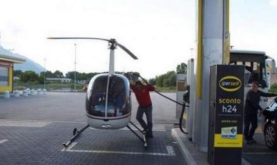 Meanwhile Funny Awkward Moments At Gas Station - 39 Photos -23