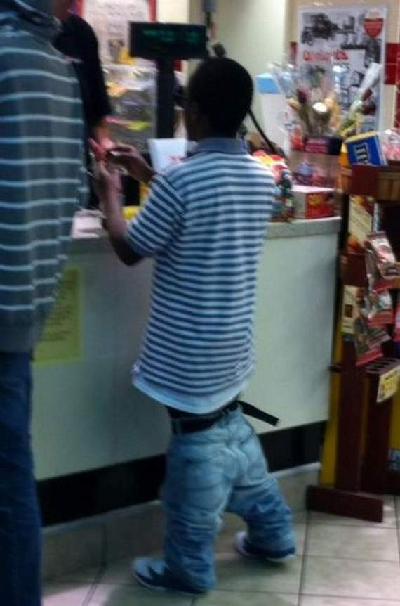 Meanwhile Funny Awkward Moments At Gas Station - 39 Photos -26