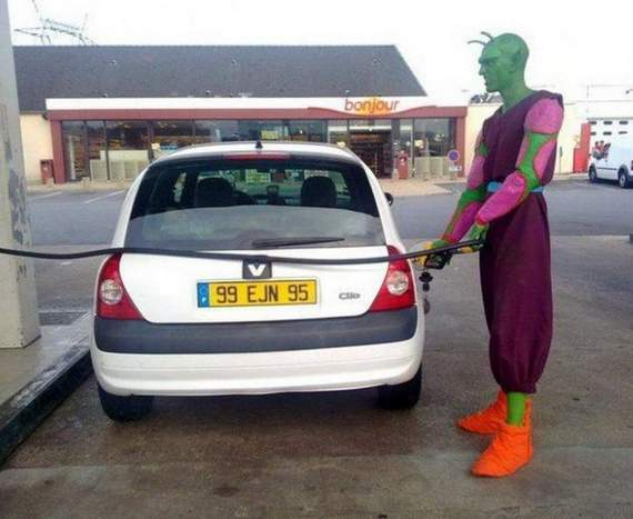 Meanwhile Funny Awkward Moments At Gas Station - 39 Photos -31