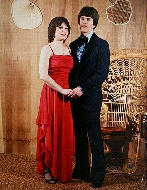 37 Pics of Unseen Celebs From Their High School Prom -07