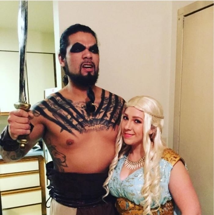 36 Couple Halloween Costumes That Will Make You Laugh-07