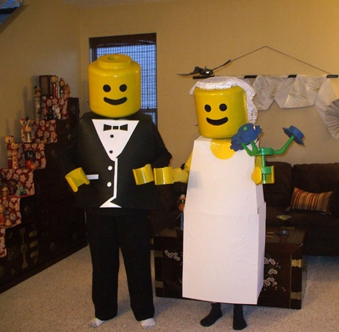 36 Couple Halloween Costumes That Will Make You Laugh-10