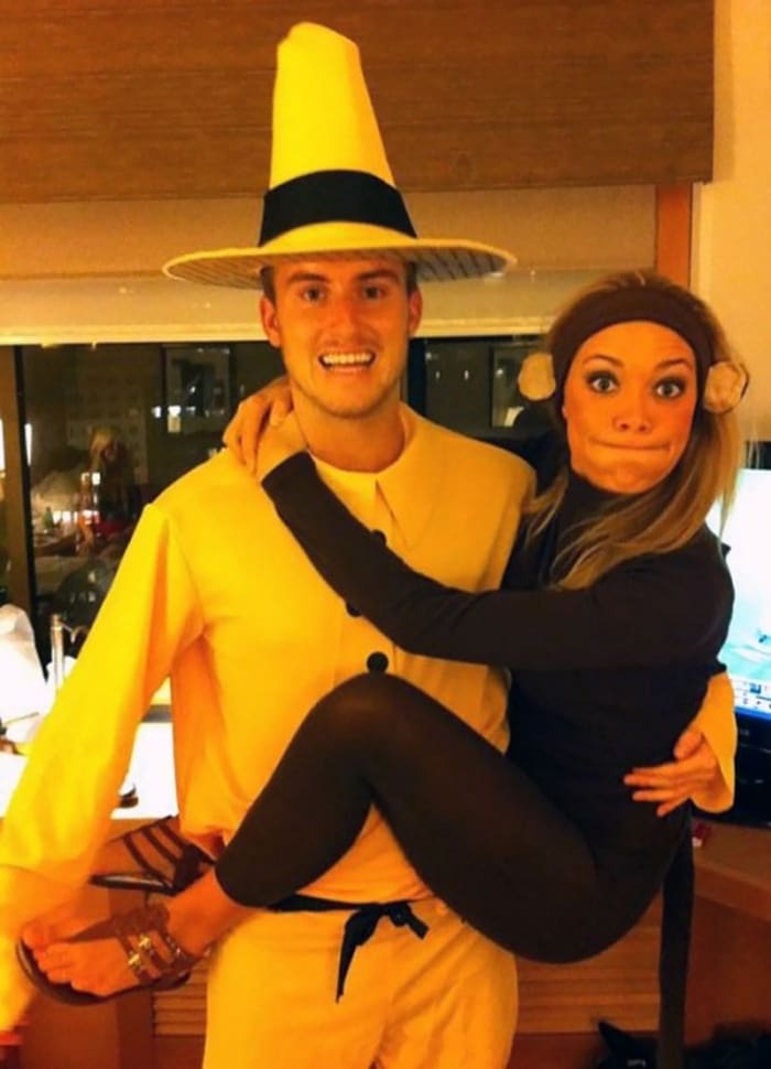 36 Couple Halloween Costumes That Will Make You Laugh-11