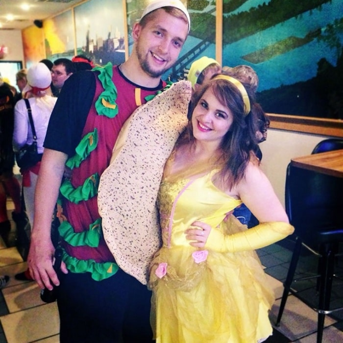 36 Couple Halloween Costumes That Will Make You Laugh-26