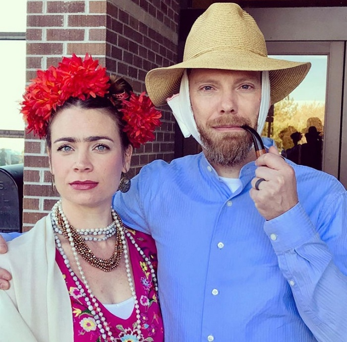36 Couple Halloween Costumes That Will Make You Laugh-27