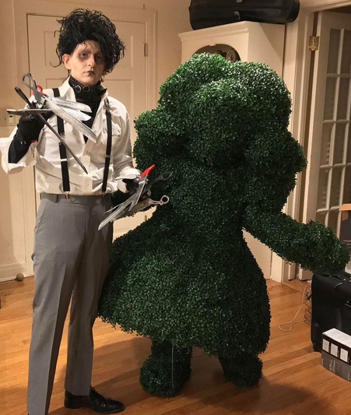 36 Couple Halloween Costumes That Will Make You Laugh-30