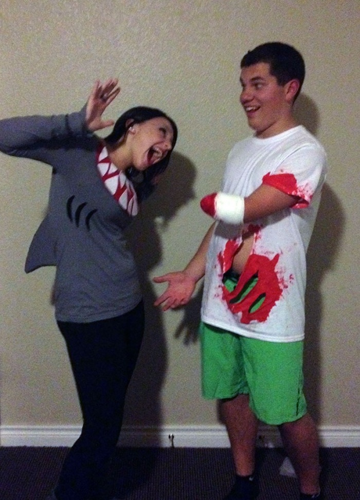 36 Couple Halloween Costumes That Will Make You Laugh-32