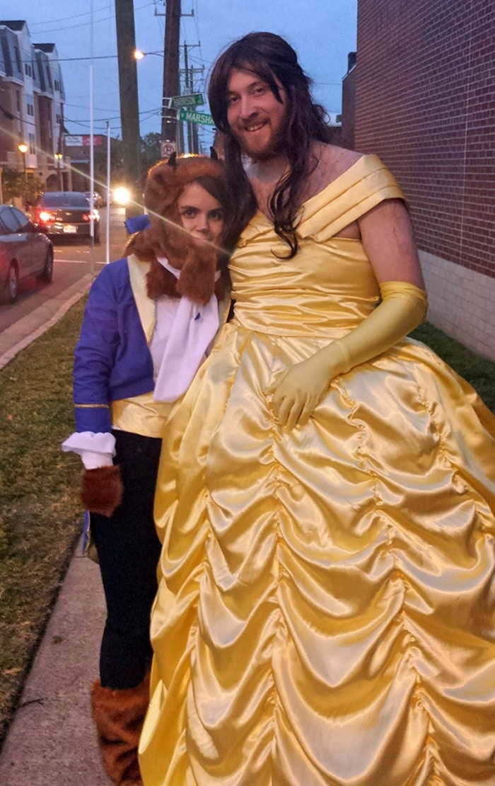 36 Couple Halloween Costumes That Will Make You Laugh-33