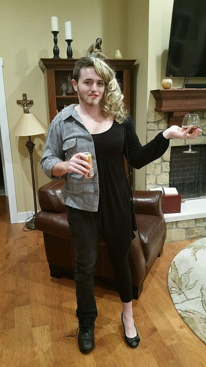36 Couple Halloween Costumes That Will Make You Laugh-34
