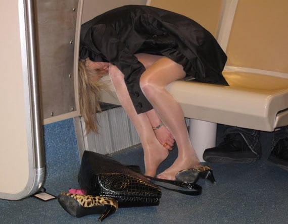 18 Crazy Drunk Girls Captured In Shocking Funny Moments -06