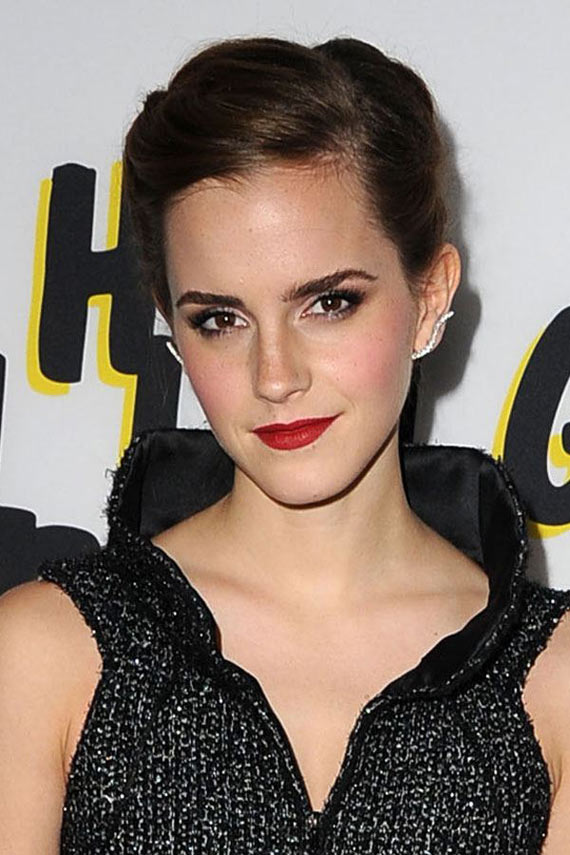 13 Funny Fashion Pictures of Creative Emma Watson -05