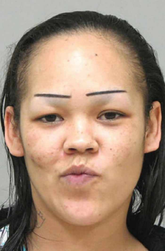 55 Makeup Disasters That Actually Went Horribly Wrong -39