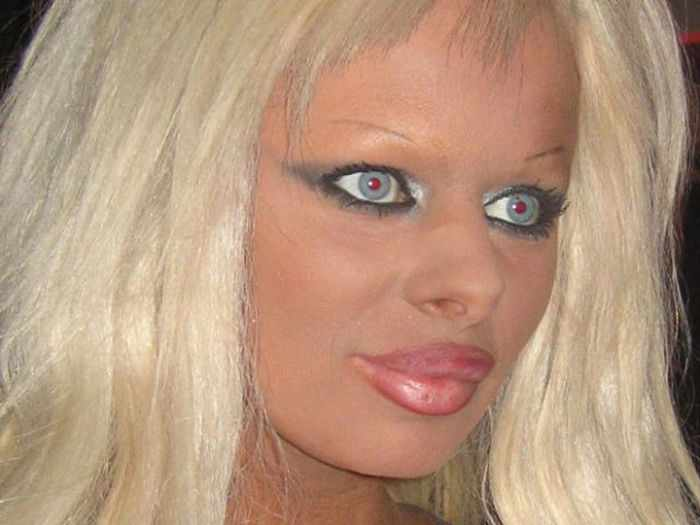 55 Makeup Disasters That Actually Went Horribly Wrong -47
