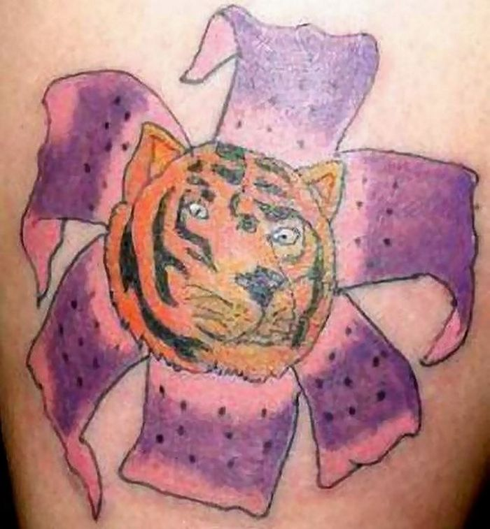 30 Epic Fail Tattoos That Will Make You Scratch Your Head -22