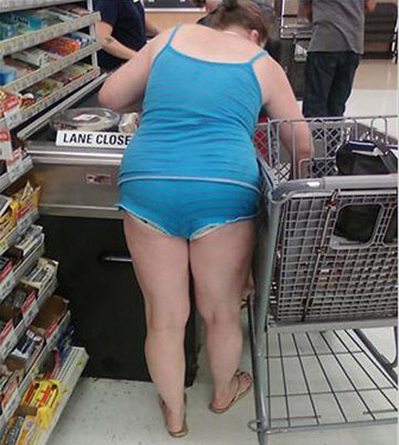 30 Funniest People Of Walmart In Bizarre Look Will Make You LOL -02