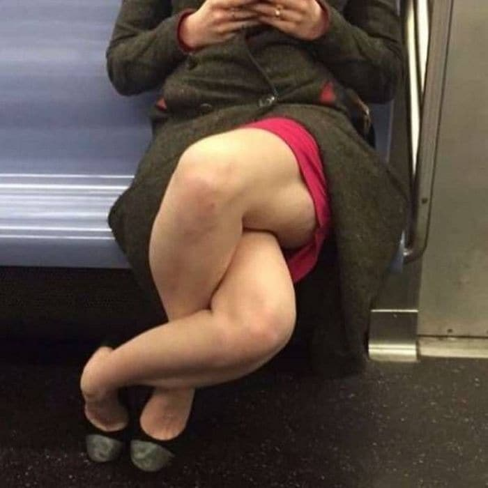 41 Strange People Ever Spotted Riding On The Subway -05