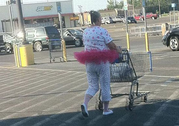 15 Funny Pictures Of People Of Walmart That are Ridiculous -02