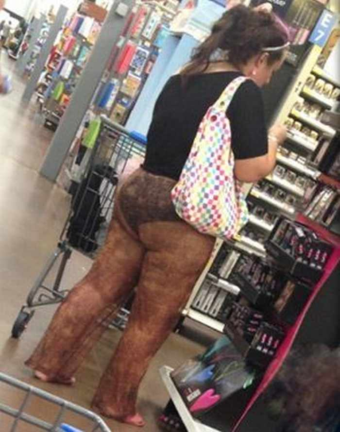 45 People of Walmart That Will Make You Smile -01