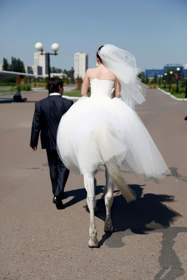Funny Bride Photo Taken At Right Time