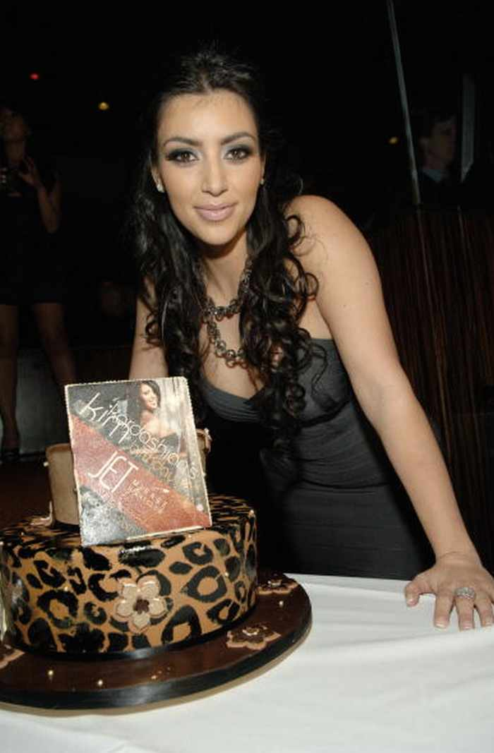 The Kardashians Posing With Ridiculous Cakes - 28 Pics -02
