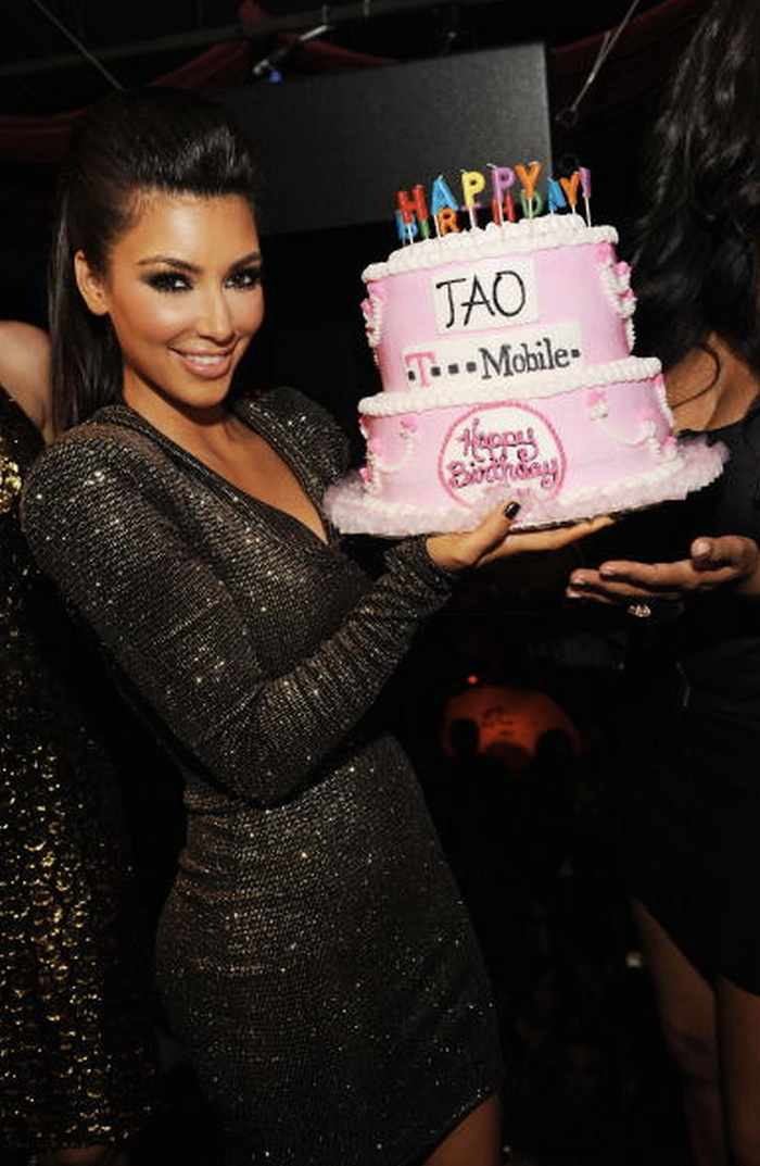 The Kardashians Posing With Ridiculous Cakes - 28 Pics -04