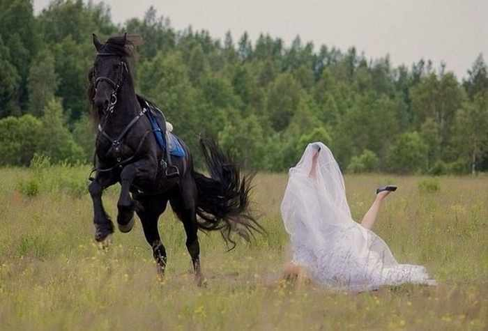 35 Ridiculous Wedding Photos That Will Blow Your Mind -04