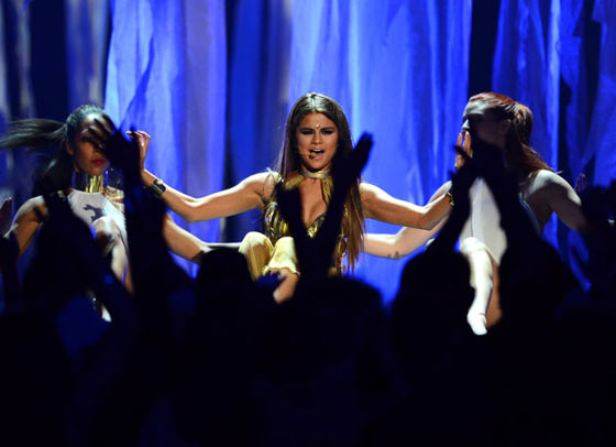 20 Pics of Selena Gomez's Sizzling Performance at Billboard Music Awards -05