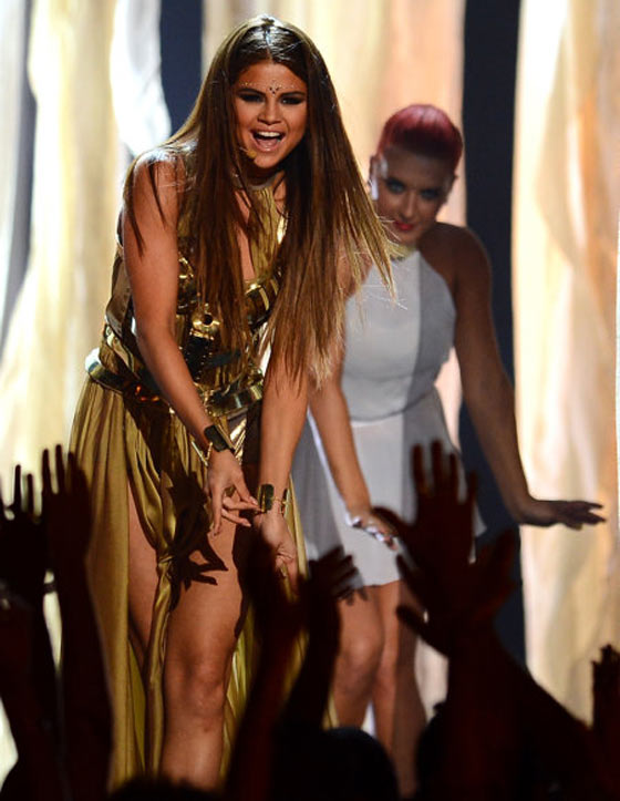 20 Pics of Selena Gomez's Sizzling Performance at Billboard Music Awards -06