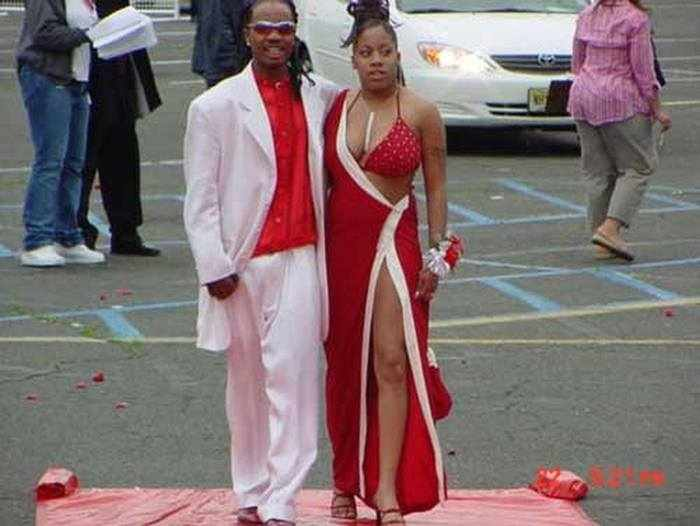 45 Worst Prom Dress Fails Ever In The Prom History -05