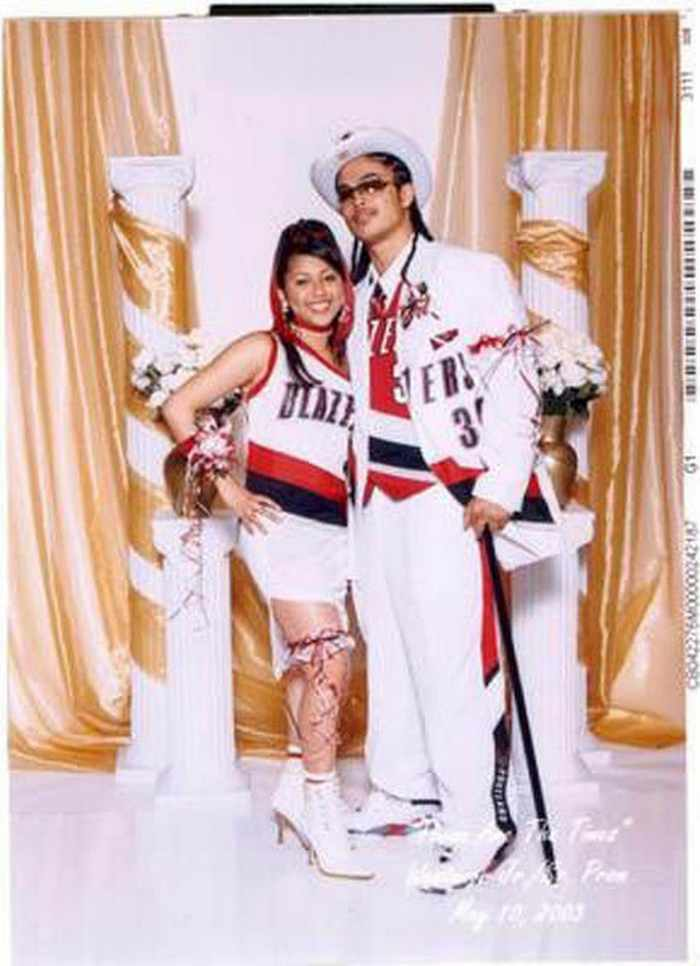 45 Worst Prom Dress Fails Ever In The Prom History -19