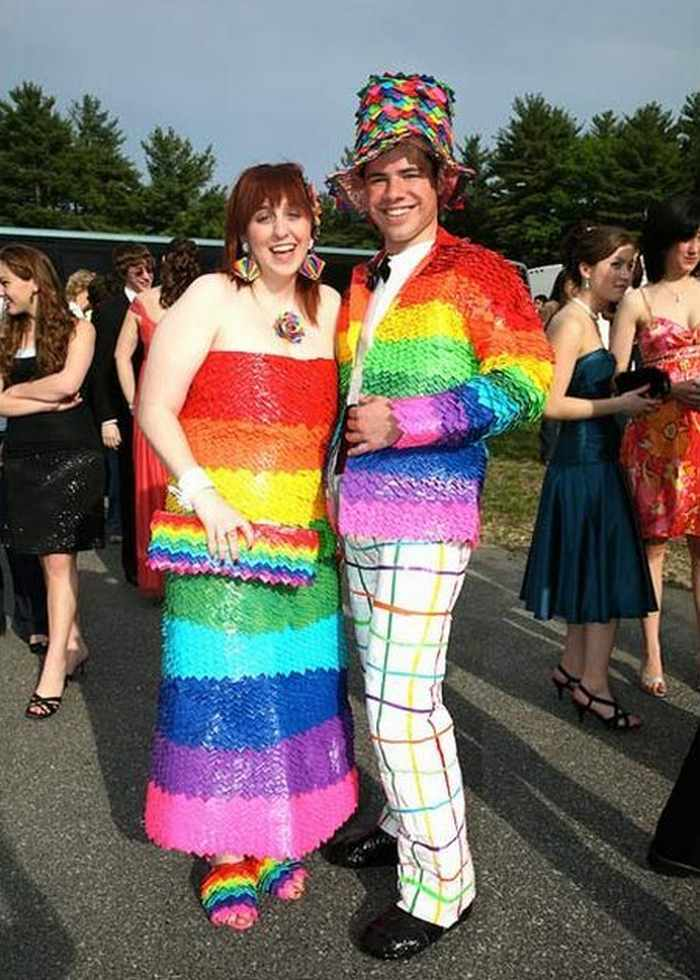 45 Worst Prom Dress Fails Ever In The Prom History - Page 6 of 9