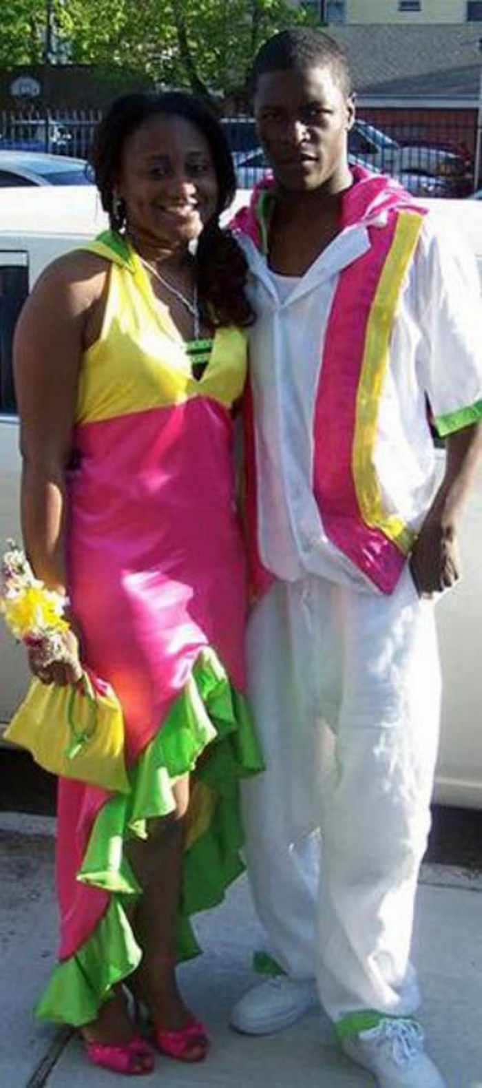 45 Worst Prom Dress Fails Ever In The Prom History -37