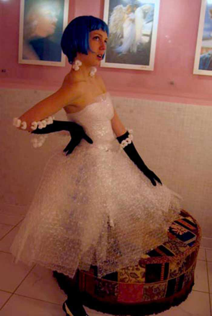 45 Worst Prom Dress Fails Ever In The Prom History -40